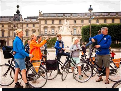 BajaBikes met kinderen fietsen in Parijs
