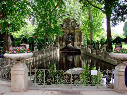 Fontein Luxembourg Parijs